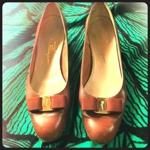 VTG Salvatore Ferragamo Boutique leather Bow 11